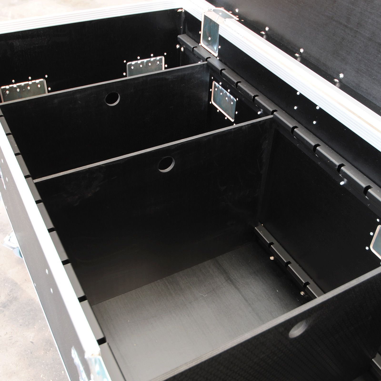 Road Trunk Cable Trunk Flightcase With Divider System and Euro